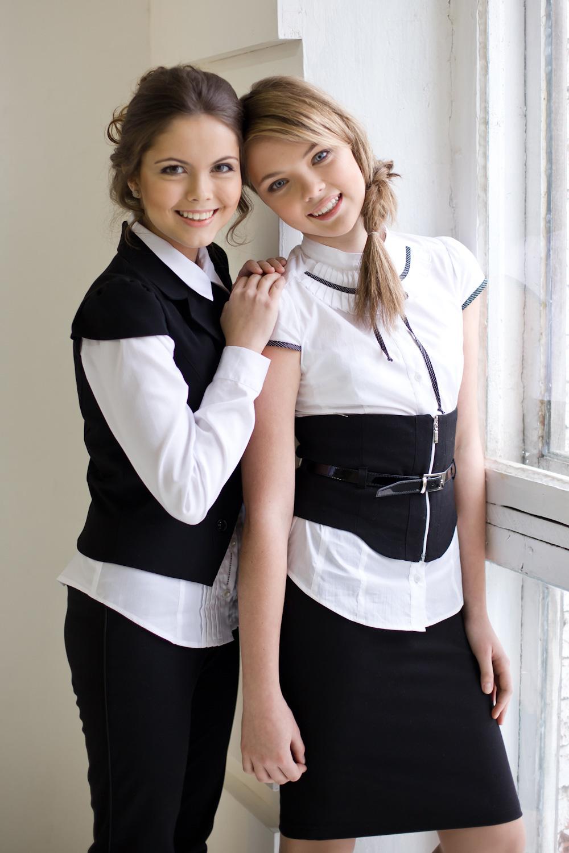 Учительница в белой блузки 13 фотография